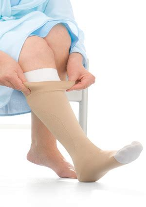 jobst ulcercare therapeutic knee high compression stocking  liner