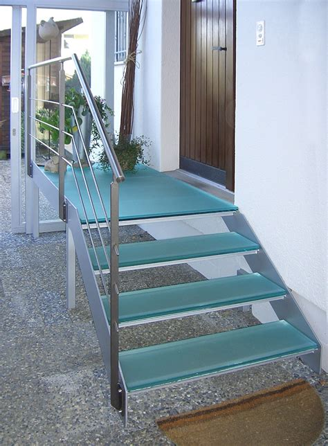 Treppe Vor Haustür by Treppen