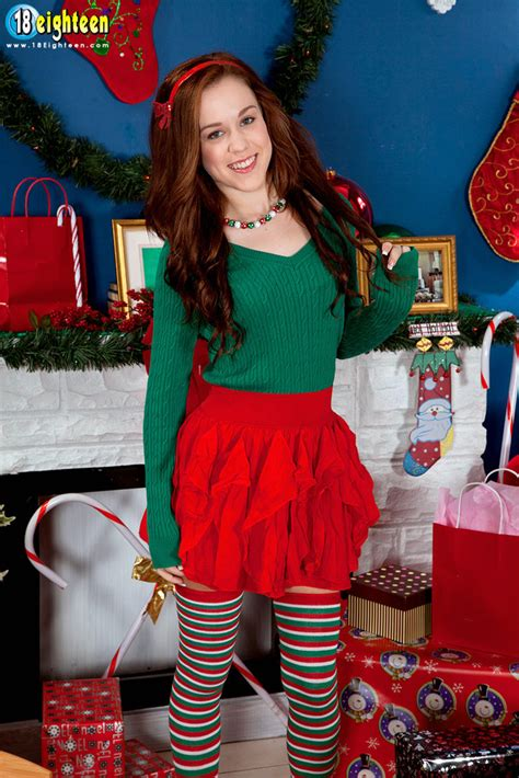 Redhead Teen Trinity Rae Shows Off Her Shaved Twat In