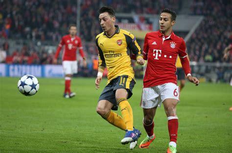 Live Commentary - Arsenal vs Bay Munich | 07 Mar 2017