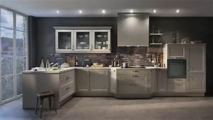 quelles couleurs pour les murs d39une cuisine aux meubles With idee deco cuisine avec cuisine moderne gris clair