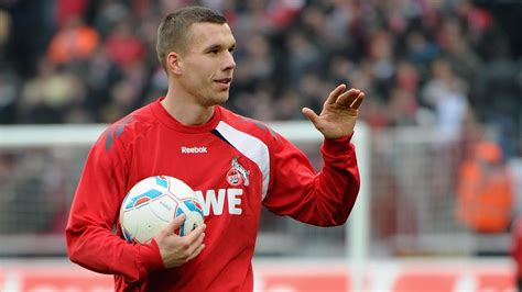 Maybe you would like to learn more about one of these? 1. FC Köln: Lukas Podolski trifft sich mit den ...