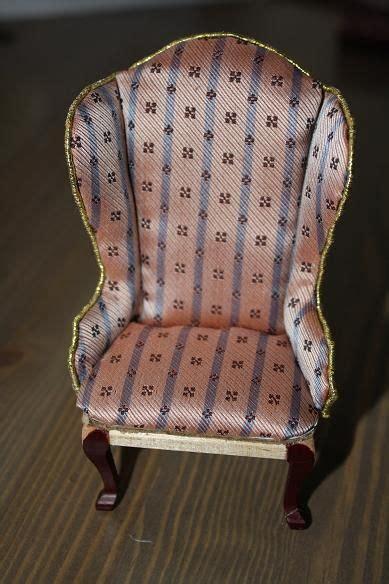 Diy Miniature Upholstered Chair (cardboard + Glued Cloth