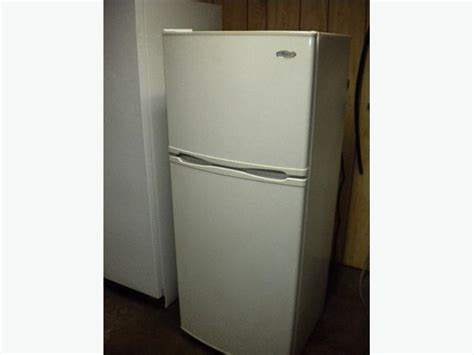 Apartment Size Refrigerator by Whirlpool 12 Cu Ft Apartment Size Free Refrigerator
