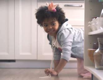 Swiffer WetJet Commercial Song 2017   Little Girl Chasing Frog