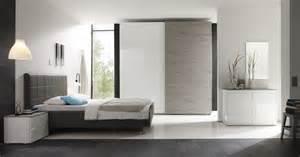 schlafzimmer weiß grau schlafzimmer mit bett 180 x 200 cm kunstleder anthrazit weiss hochglanz eiche grau 12 00730