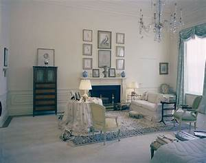 KN-C21501. First Lady Jacqueline Kennedy's Bedroom, White ...