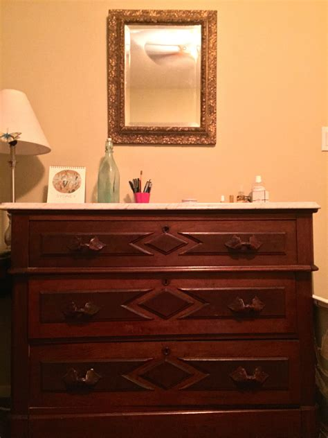 wall color to go with cherry wood furniture