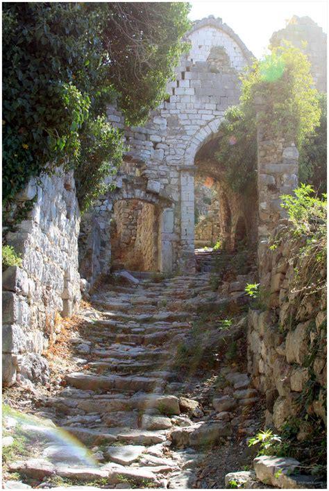 la magie du soleil sur les vieilles pierres landscape