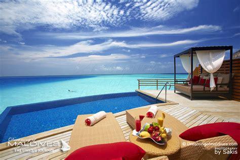 chambre sur pilotis maldives quel hôtel choisir aux maldives pour faire du snorkeling