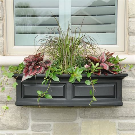 mayne  nantucket  watering plastic window box