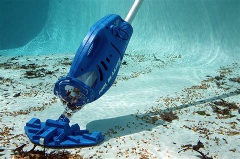 aspirateur d eau pour piscine aspirateur de piscine un indispensable
