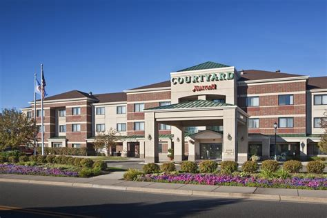Lobster Roseville Mn by Courtyard Minneapolis Roseville Mn Booking