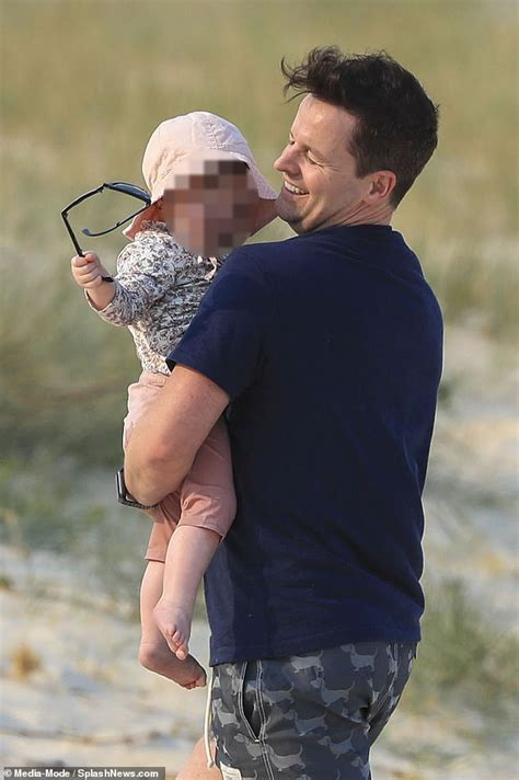 Declan Donnelly Baby - Declan Donnelly steps out with wife ...
