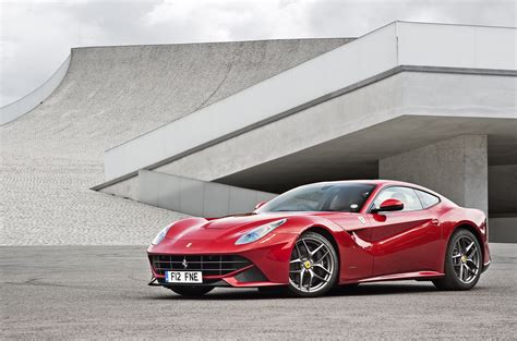 ferrari f12 wallpaper 2015 ferrari f12 berlinetta 21 widescreen car wallpaper