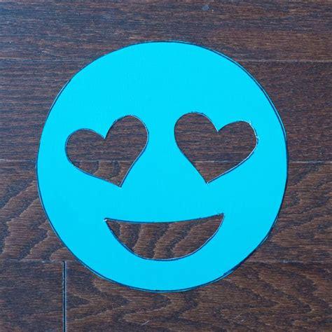 diy heart eye emoji doormat