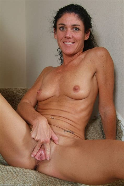 milf nia 4.jpg in gallery Milfs and Mature babes 4 (Picture 68) uploaded by wankithard on ...