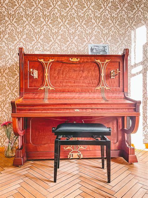 luznavas-muiza-jugendstila-pianins-celvezi.lv - Ceļveži.lv