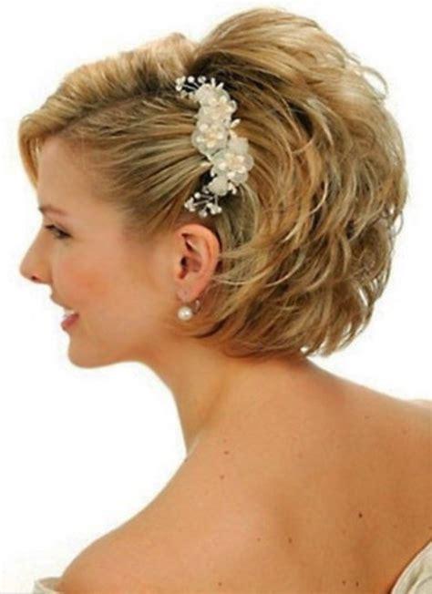tendances coiffurecoiffure mariage cheveux courts femme