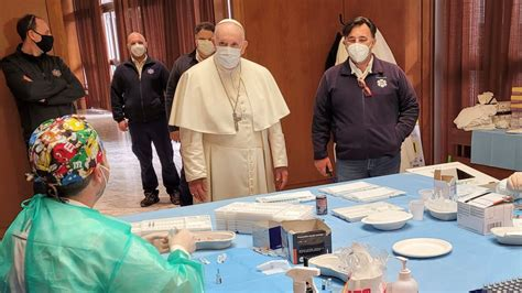 COVID-19: Pope Francis pays surprise visit to Vatican ...