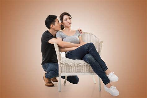 menyikapi pasangan  tidak romantis