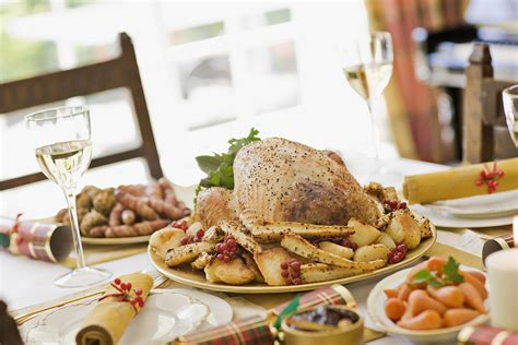 What to make for a traditional thanksgiving dinner. 20 Recipes for a Traditional British Christmas Dinner | British food, Christmas dinner menu ...
