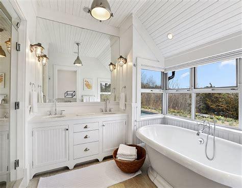 White Beadboard Bathroom : Home Bunch Interior Design Ideas