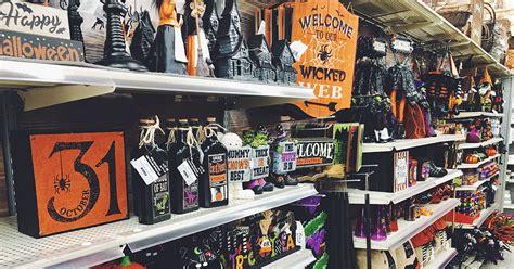 halloween hunting michaels halloween decor spooky