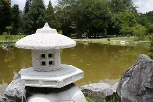 Panoramio - Photo of D.R. Park Japanese Garden lamp 3