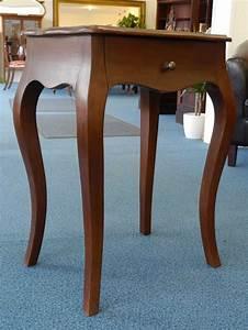 Beistelltisch Mit Schublade : edler beistelltisch mit einer schublade tische beistelltische ~ Bigdaddyawards.com Haus und Dekorationen