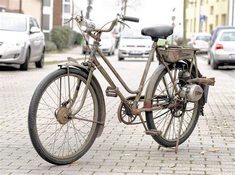 fahrrad mit hilfsmotor fahrrad typ fm 38 mit hilfsmotor aus dem jahr 1951 moped und mofa pur leben mit