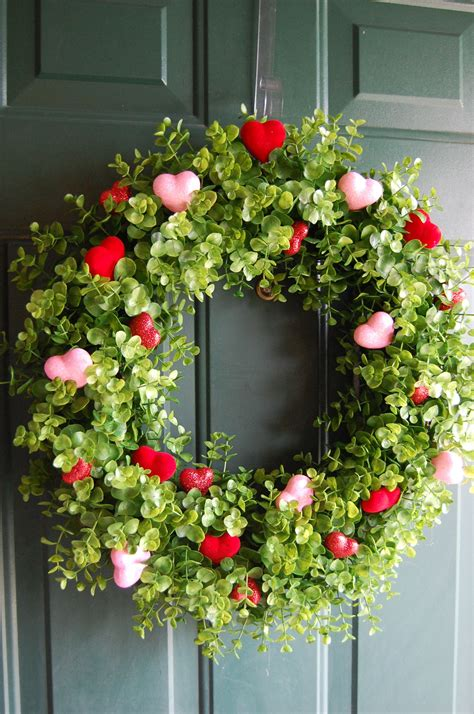 at home garden ridge made from grapevine wreath and boxwood picks from garden Unique
