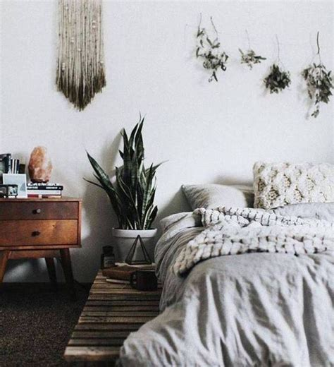 Best 25+ Earthy Bedroom Ideas On Pinterest