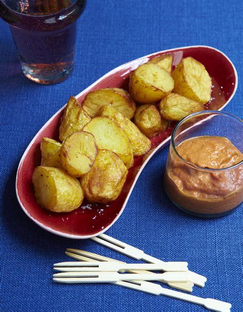 3 fr recettes de cuisine patatas bravas pour 6 personnes recettes à table