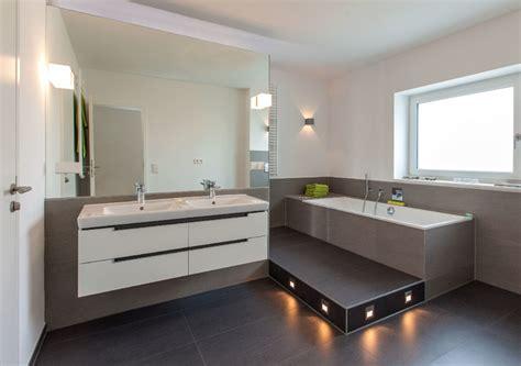 moderne badezimmermbel modernes badezimmer design braun toto modernes badezimmer kleines badezimmer kreativ