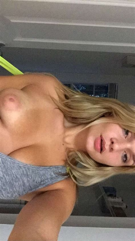 Zoie Burgher Leaked Nude Pics Sexy Youtubers