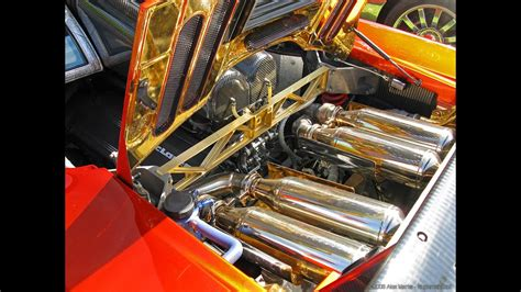 why the engine compartment and mclaren f1 supercar covered with gold youtube