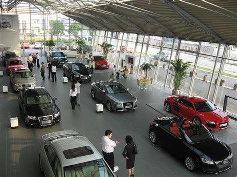 China's Luxury Auto Dealer And