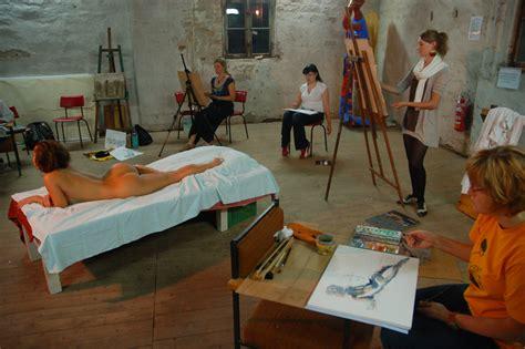 model artan art model poses   visual artist