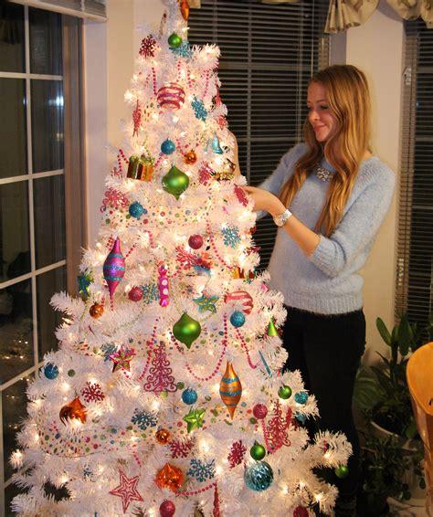 kitschy white christmas tree nataliastyle