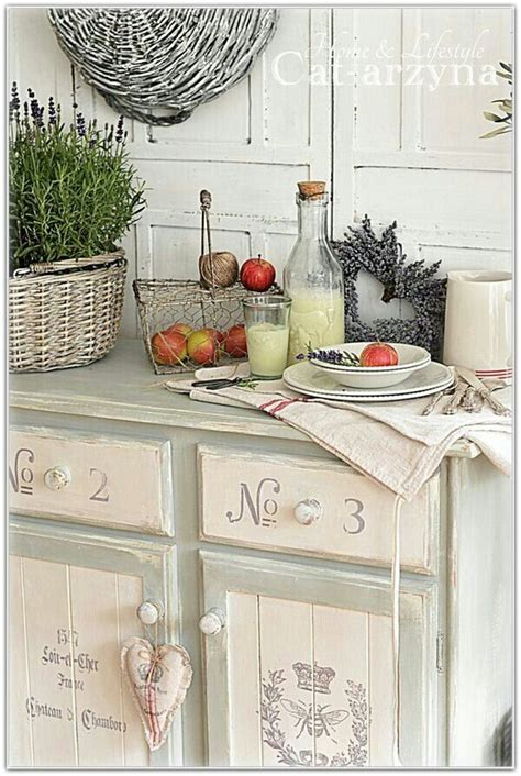 type of kitchen cabinets 1243 best images about more shabby chic frippery on 6441