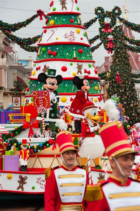 when does disneyland remove decorations when does disneyland take decorations 28 images