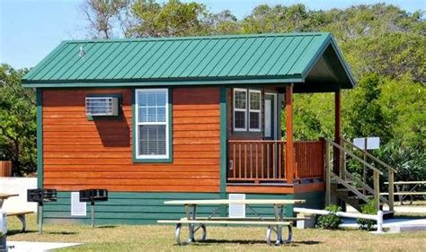 jetty park cabins want to stay in an air conditioned tiki themed cabin by