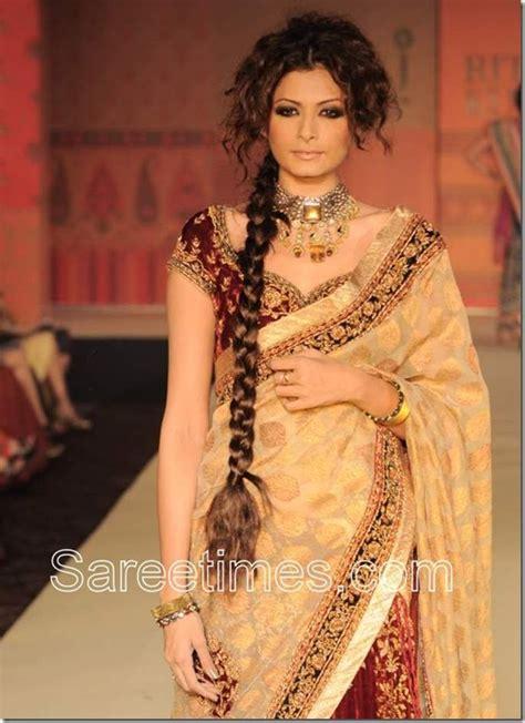 Harga Sari Gold gold bridal saree at ritu kumar show sareetimes
