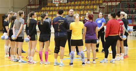 Sieviešu handbola izlases treneris Māris Cibuļskis ...