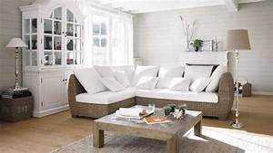 une deco de style bord de mer dans le salon diaporama photo With tapis d entrée avec canapé convertible de style ancien