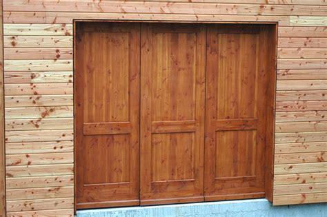 notre porte de garage en bois maisoneco construction