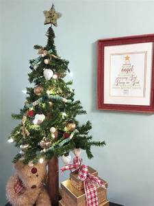 Christmas Decorating On A Budget Create And Babble
