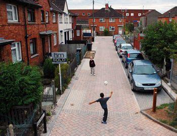 dings home zone street furniture street green