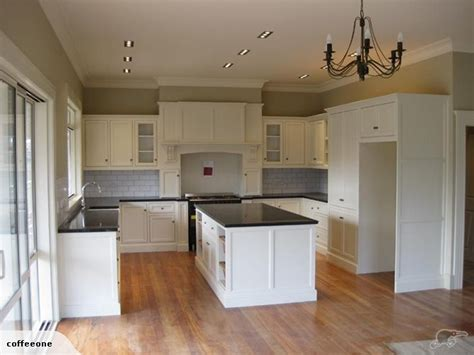 colonial kitchen ideas 79 best images about colonial kitchens on